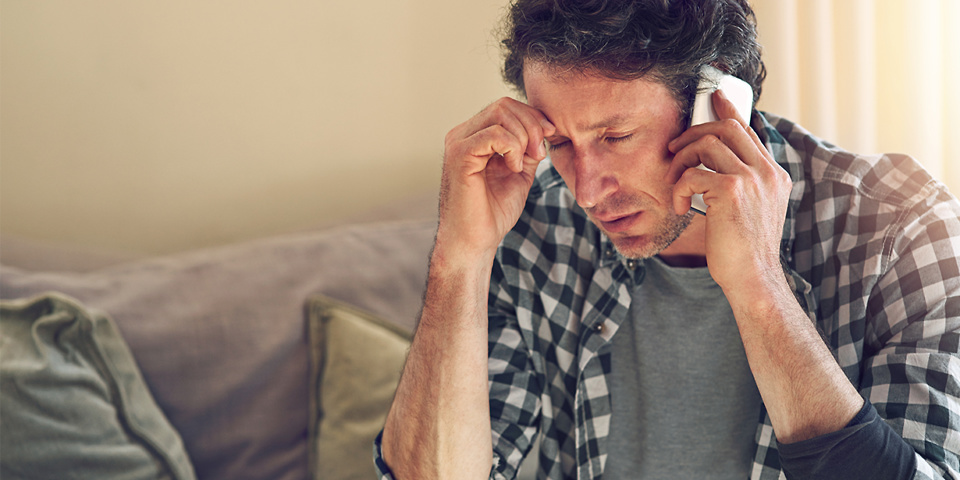Phone companies to end bank text scams
