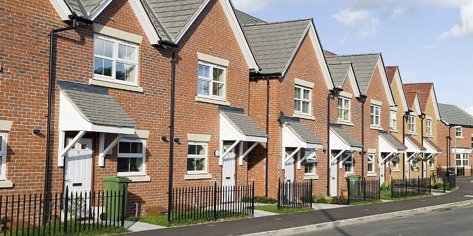 Ground rents for new leaseholders to be capped at £10 a year