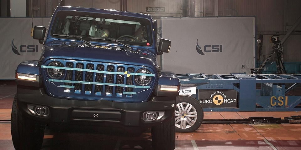 Two cars performed badly in the latest crash tests, including the new Jeep Wrangler