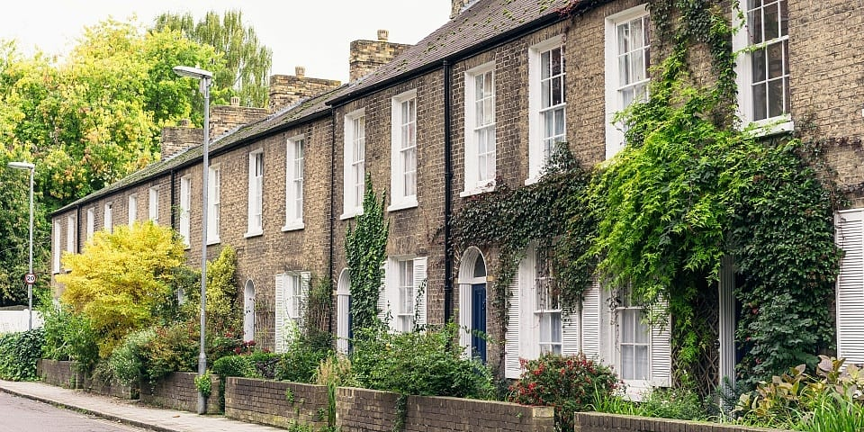 New mortgage deal offers a rate of below 1% – should you apply?