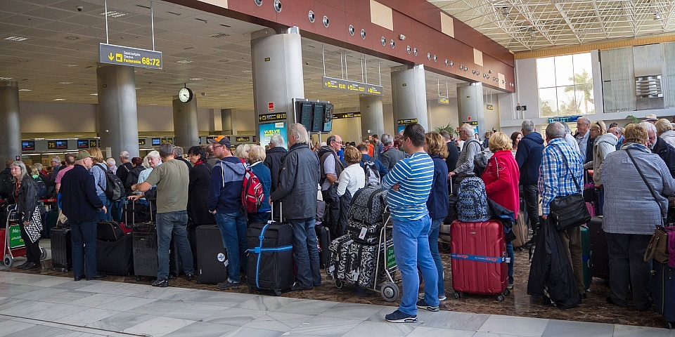 UK holidaymakers could face queues several hours long at Spanish airports in event of no-deal Brexit