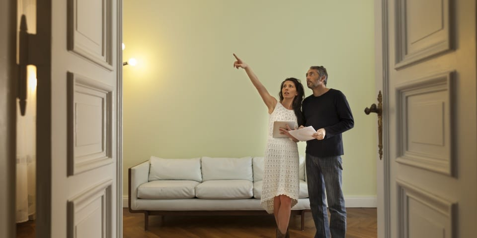 Four in 10 homebuyers view under five properties