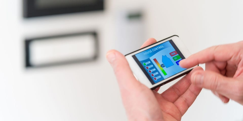 Who is saving energy with their smart meter?