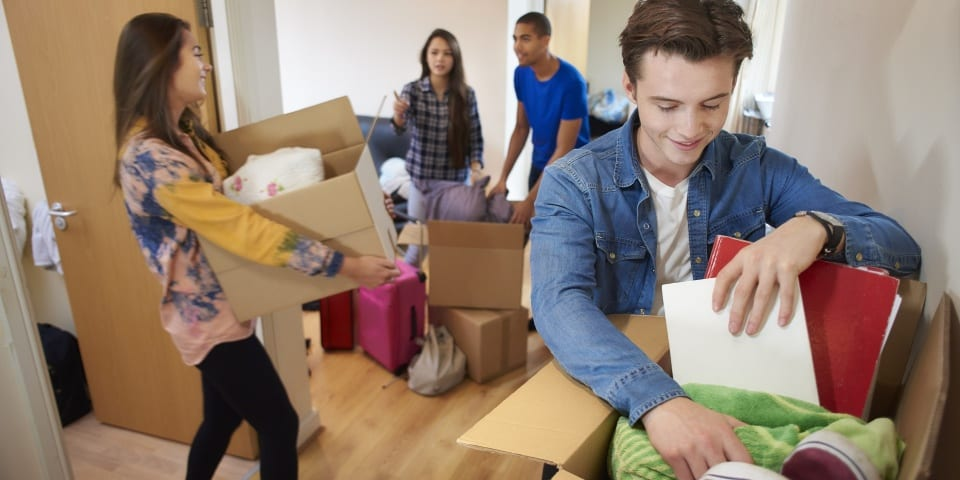 Revealed: the cost of moving house tops £10,400