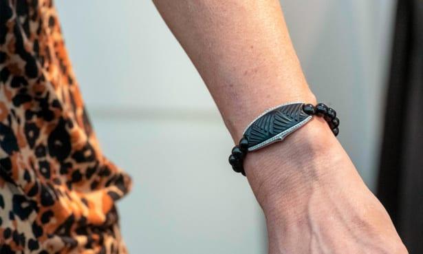 Contactless payment bracelet