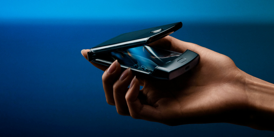 Motorola Razr vs Galaxy Fold 5G: how a contract on a foldable could cost an extra £500