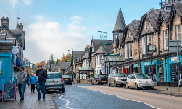 Image of high street in Pitlochry, Perthshire