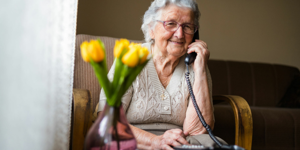 Coronavirus: how families and friends can support older loved ones