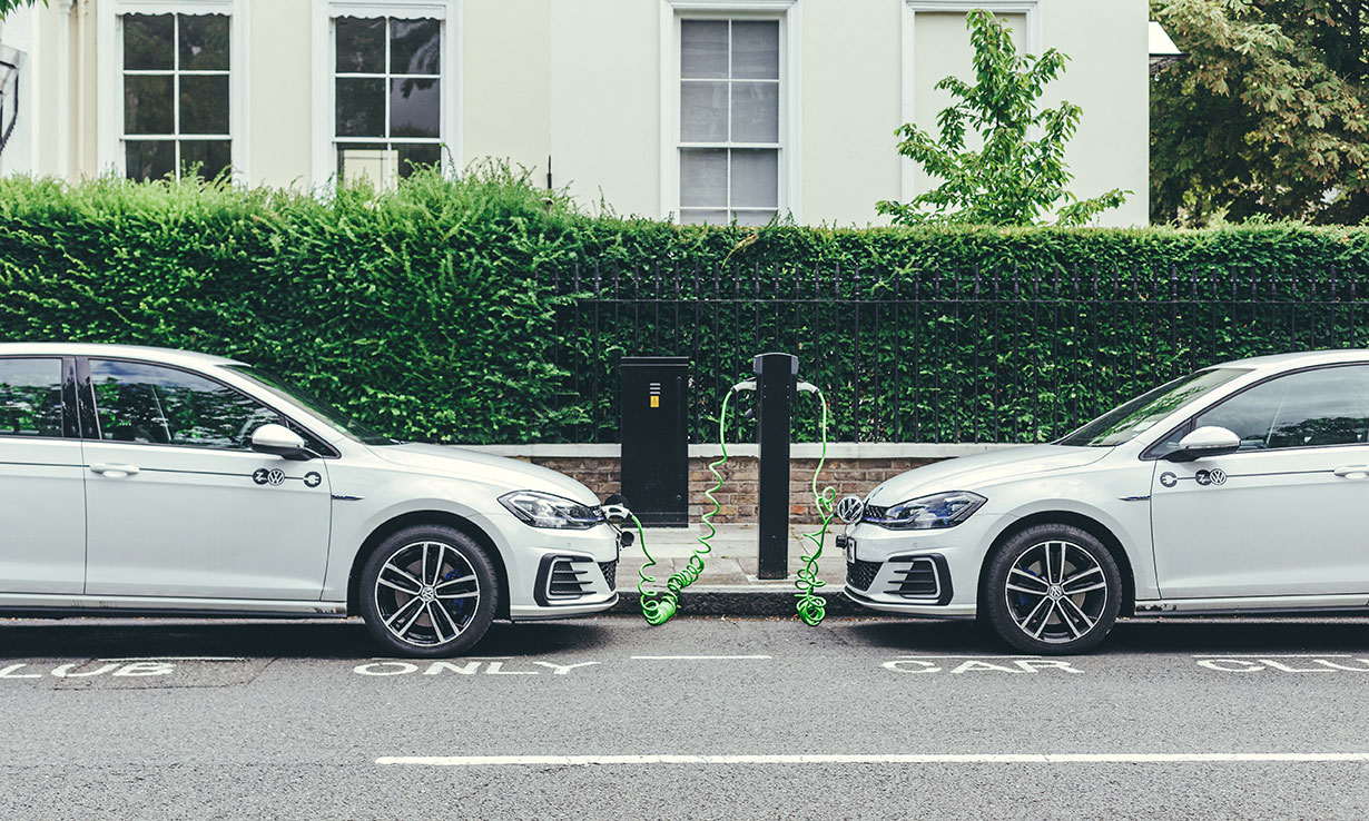 Electric cars: Lack of charging points and competition fuel concerns ahead of petrol car ban – Which? News