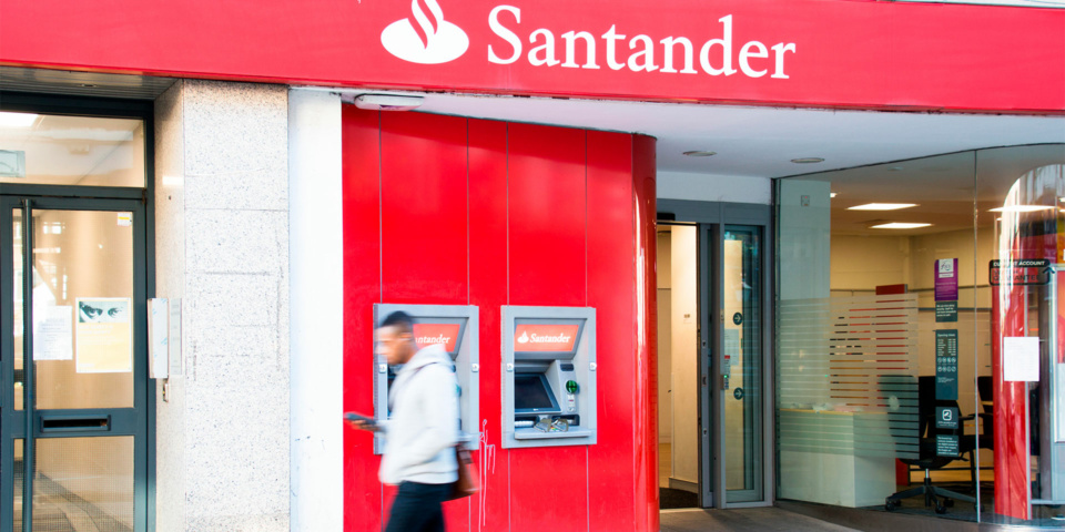 Santander to slash 123 Current Account interest rate again: should you switch?