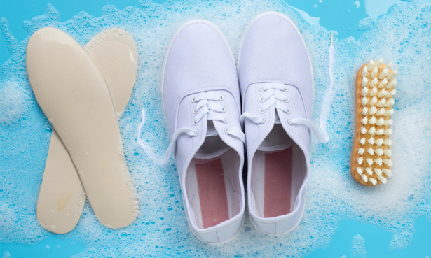 removing trainer insoles to wash them