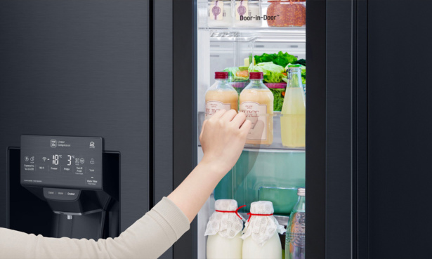 Tapping the glass on an LG Instaview fridge freezer