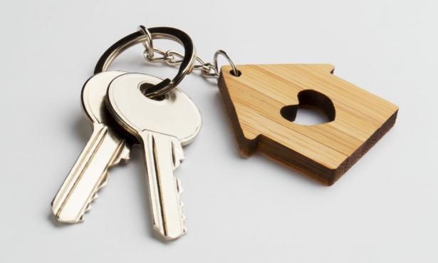 house keys on keyring