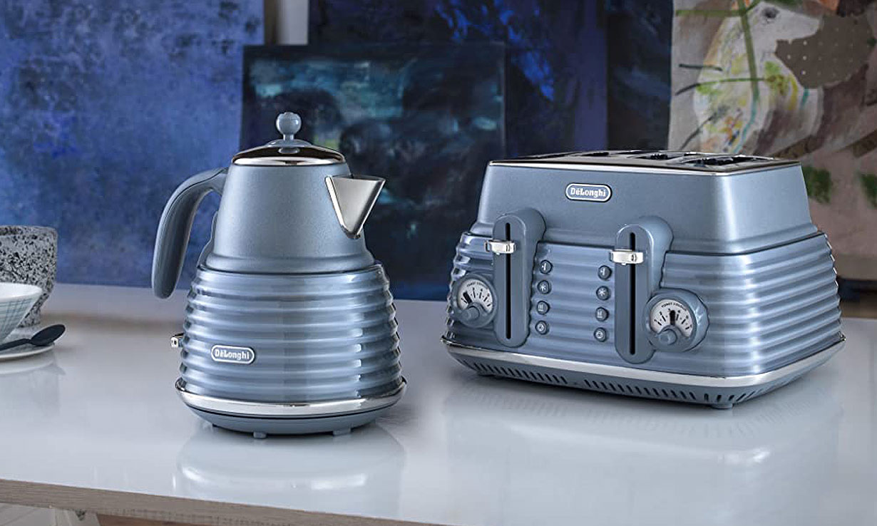 DeLonghi Scolpito kettle and toaster