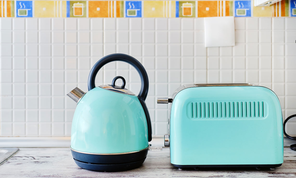 Matching kettle and toaster set