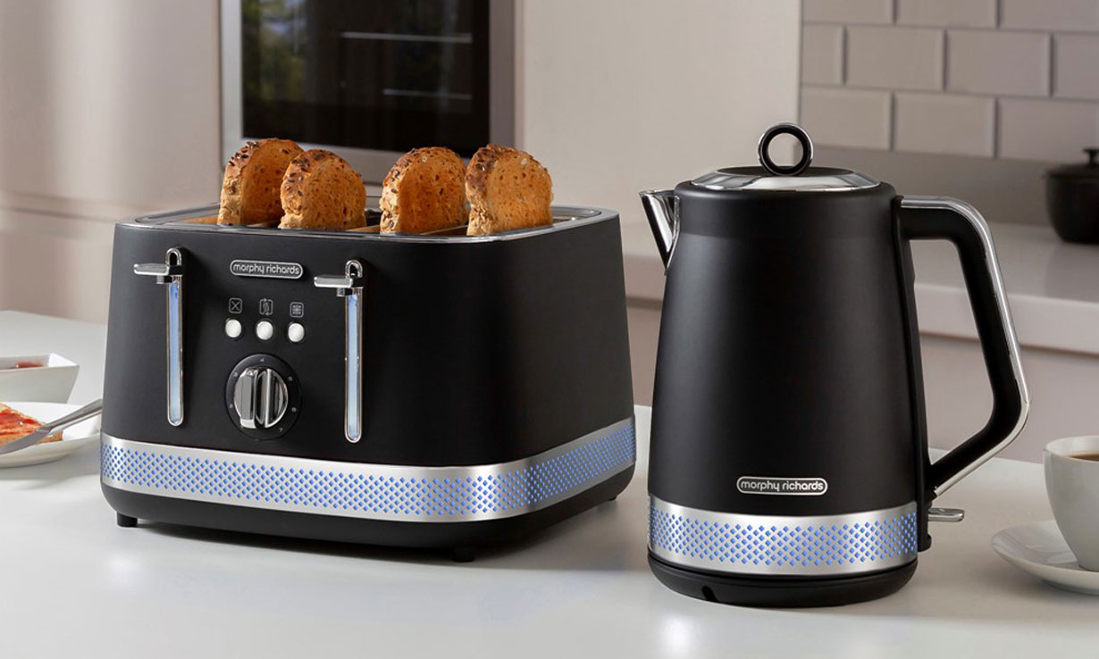 Morphy Richards Illumination kettle and toaster