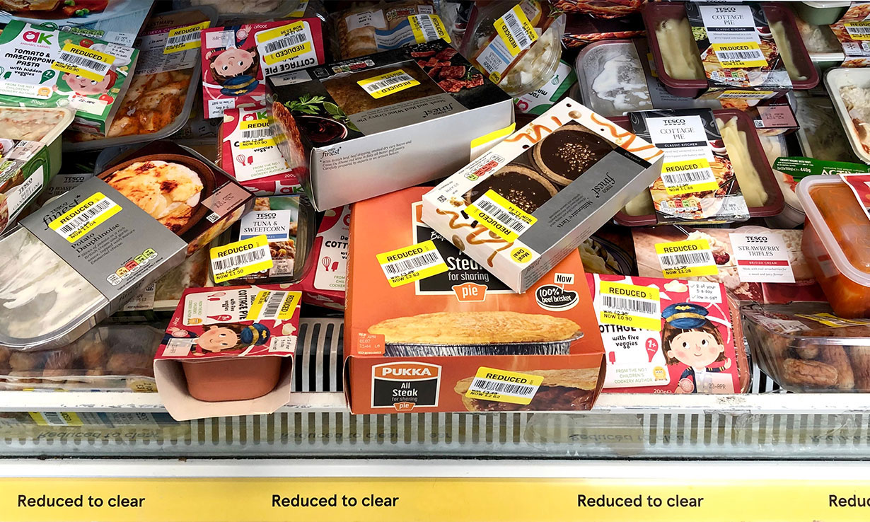 Learn supermarket shopping tricks such as buying discounted food to eat healthily and cheaply.