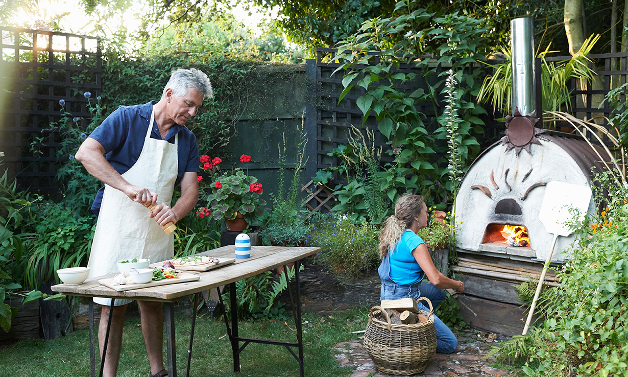 Cooking with a pizza oven
