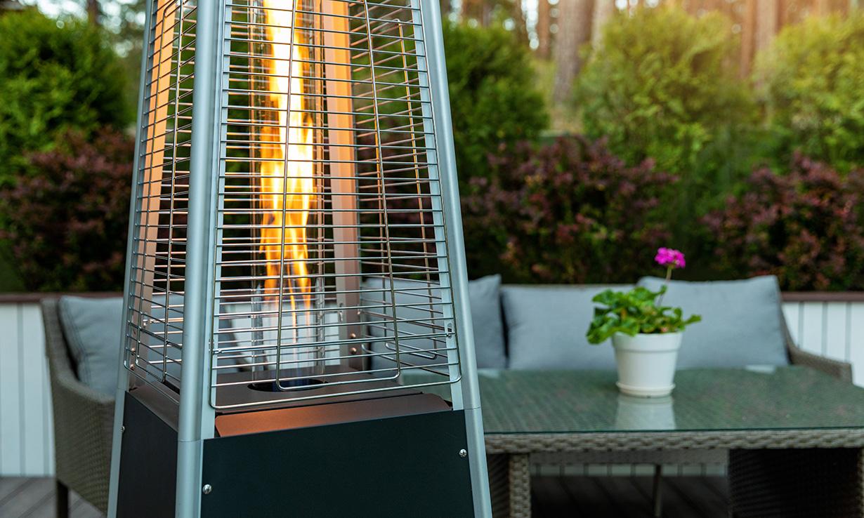 Pyramid style gas heater