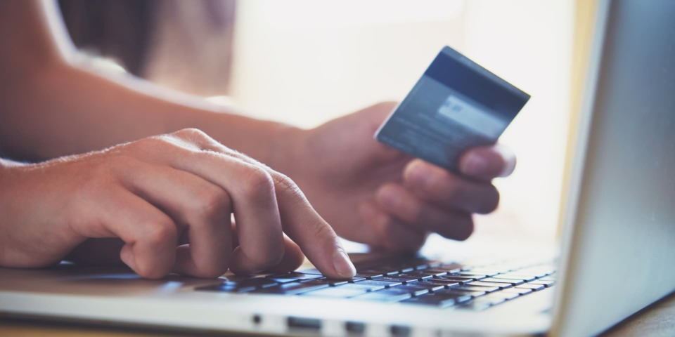 American Express to cut credit card cashback rewards from August – should you switch?