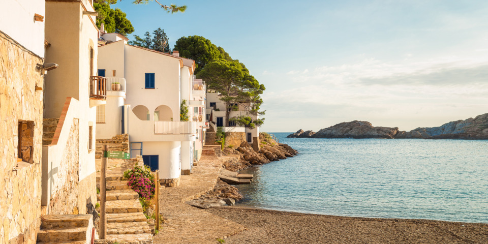 Amber list holidays and 'amber plus' category: Quarantine and testing rules for travellers