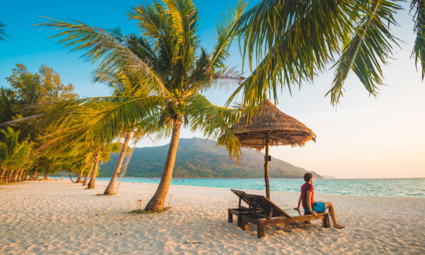Which countries are on the travel green list and where can I go on holiday without quarantine?