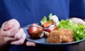 Treat frozen chicken like it's raw, warns FSA