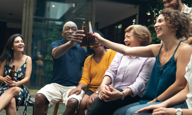 People drinking beer together