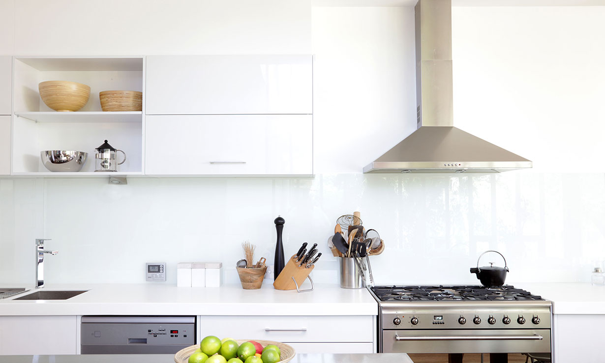 Kitchen with a cooker hood