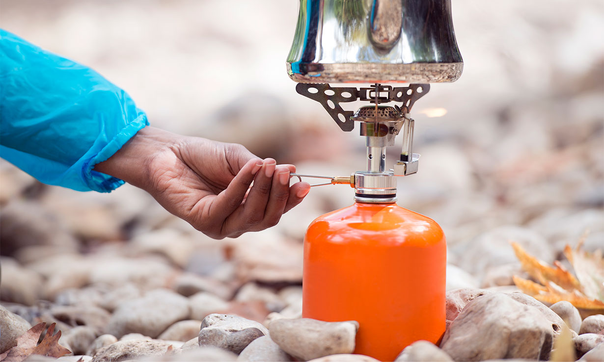 Turning off a camping stove