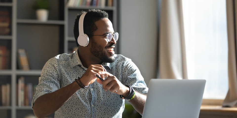 Need to concentrate? Find out which headphones are best for working from home