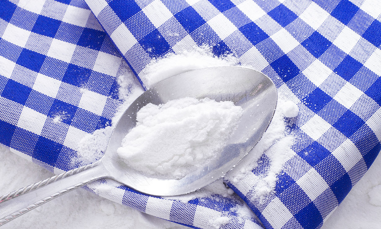 How to clean stains with baking soda