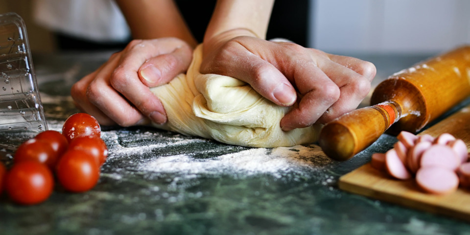 What's the best flour for making pizza dough?