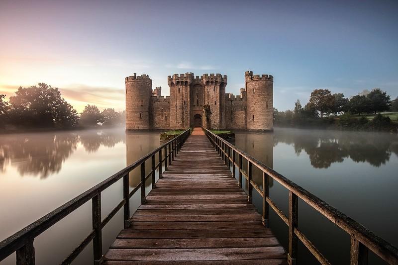 Замок Бодиам в Англии