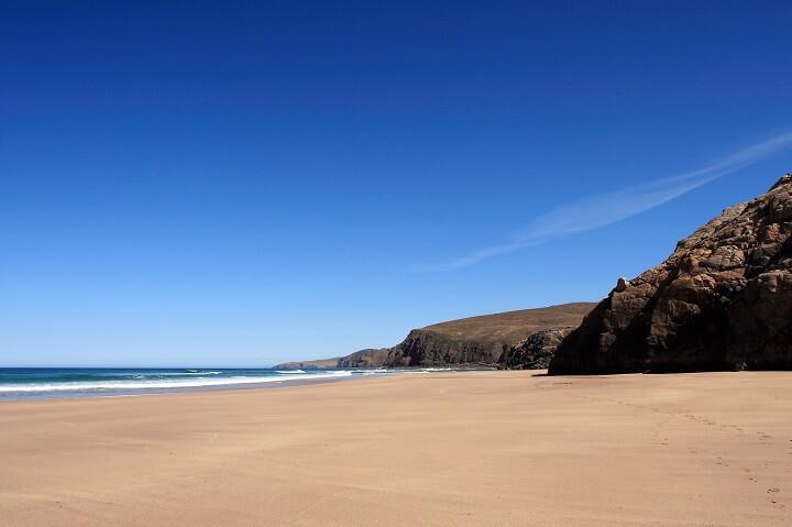 Пляж Сандвуд-Бэй в Шотландии