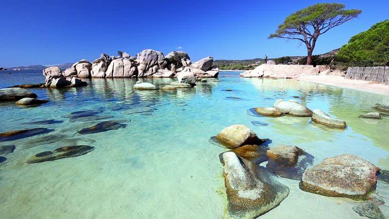 Пляж де Паломбагжьа во Франции