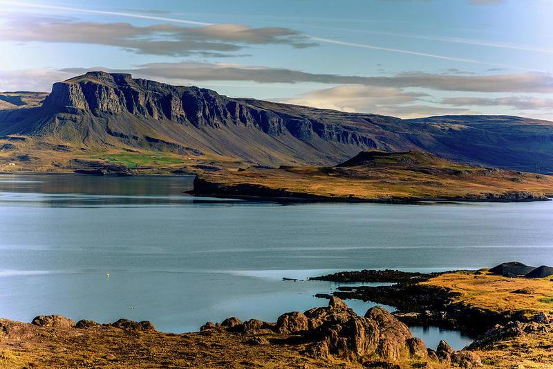 Китовый фьорд в Исландии