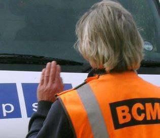 Teaching vehicle banksman training onsite - Project Skills Solutions