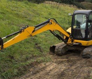 small yellow excavator - CPCS 360 excavator training