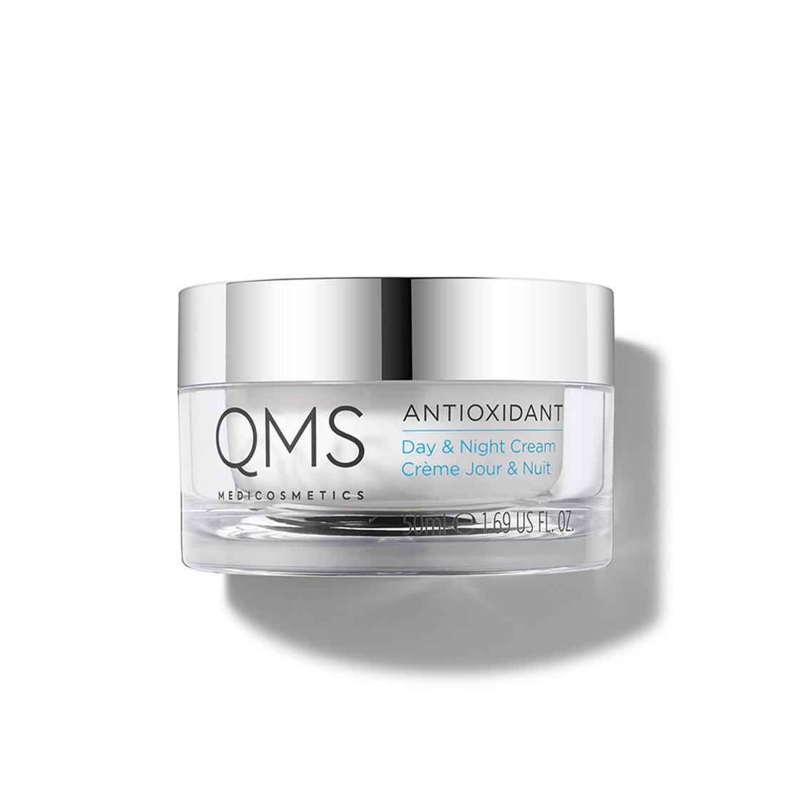 Pot of antioxidant cream for day and night to intensly moisturise dry skin