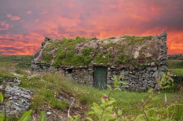pictures of irish cottages