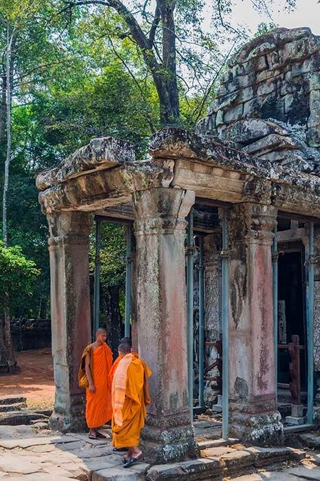 angkor wat buddhist temple
