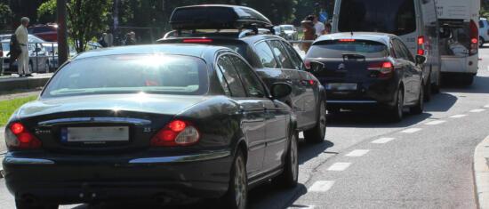 Utreder tiltak for redusert biltrafikk