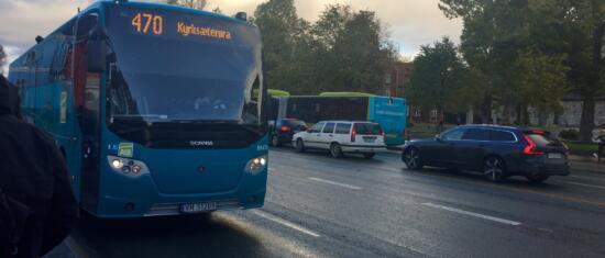 Hvordan sammenlikne reisetid på buss og bil?