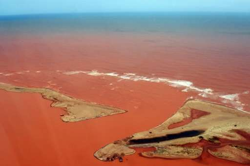 De l'arsenic découvert dans la Doce River après qu'elle ait été contaminé par un torrent de boue toxique provoqué par la mine Samarco.