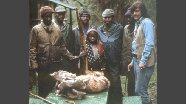 Il était fréquent pour Diane Fossey de capturer des braconniers comme ce jeune garçon qui avait tué une antilope
