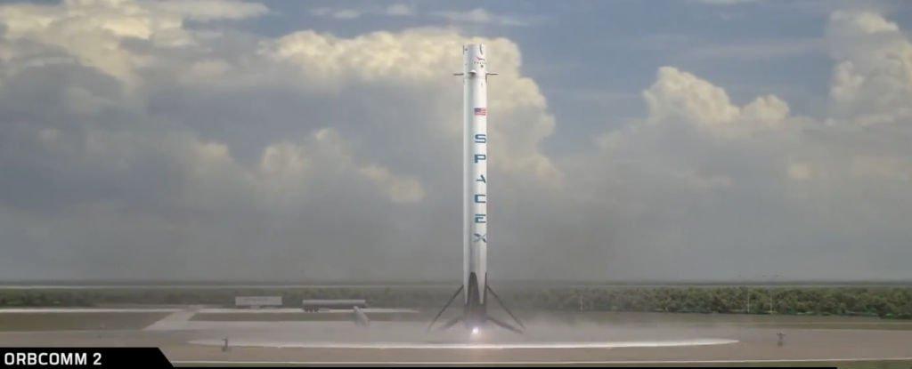 SpaceX entre dans l'histoire en faisant décoller et atterrir la première fusée orbitale