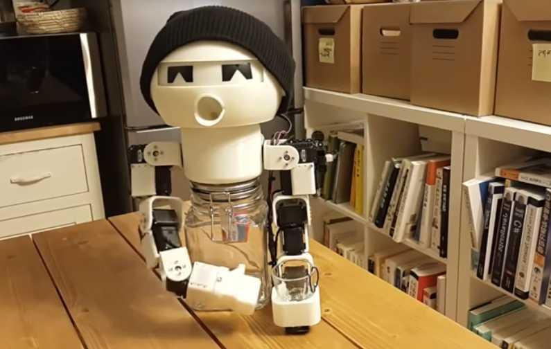 Drinky est un robot qui accompagne vos soirées de beuverie