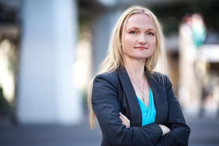 Lila Tretikov, la directrice de Wikimedia, démissionne après le tollé sur le projet de moteur de recherche de Wikipedia