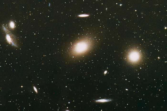 Les galaxies ultra-diffuses sont très faibles en luminosité, mais remplies de matière noire